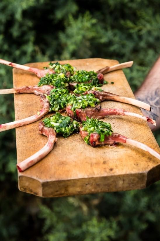 Rezept: Lammkotelett mit Bärlauch – Parmesankruste