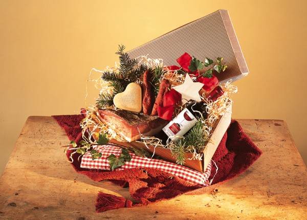 Delikat in der Holztruhe-Geschenke