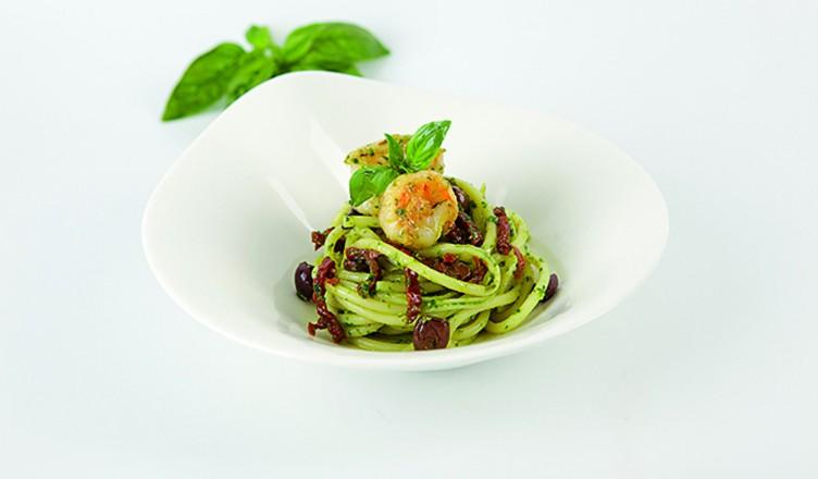 Rezept: Bucatini mit Basilikumpesto