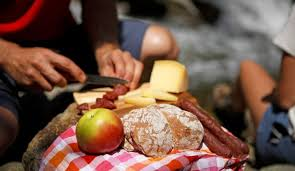 Speck und Käse, Südtirols traditionellste Marende (Jause)...