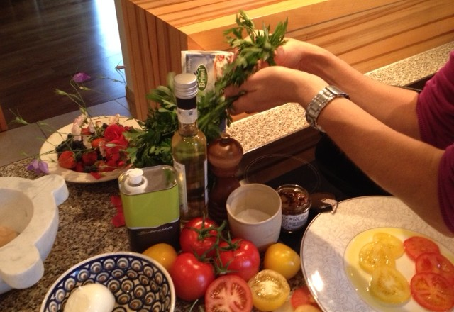 Rezept: Zweierlei Tomaten mit gebackener Mozzarella
